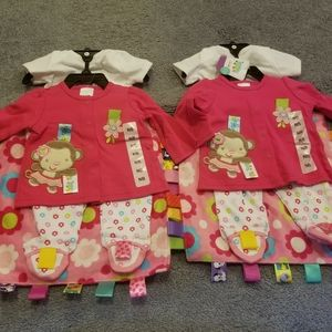 4 piece girl taggies outfit x2